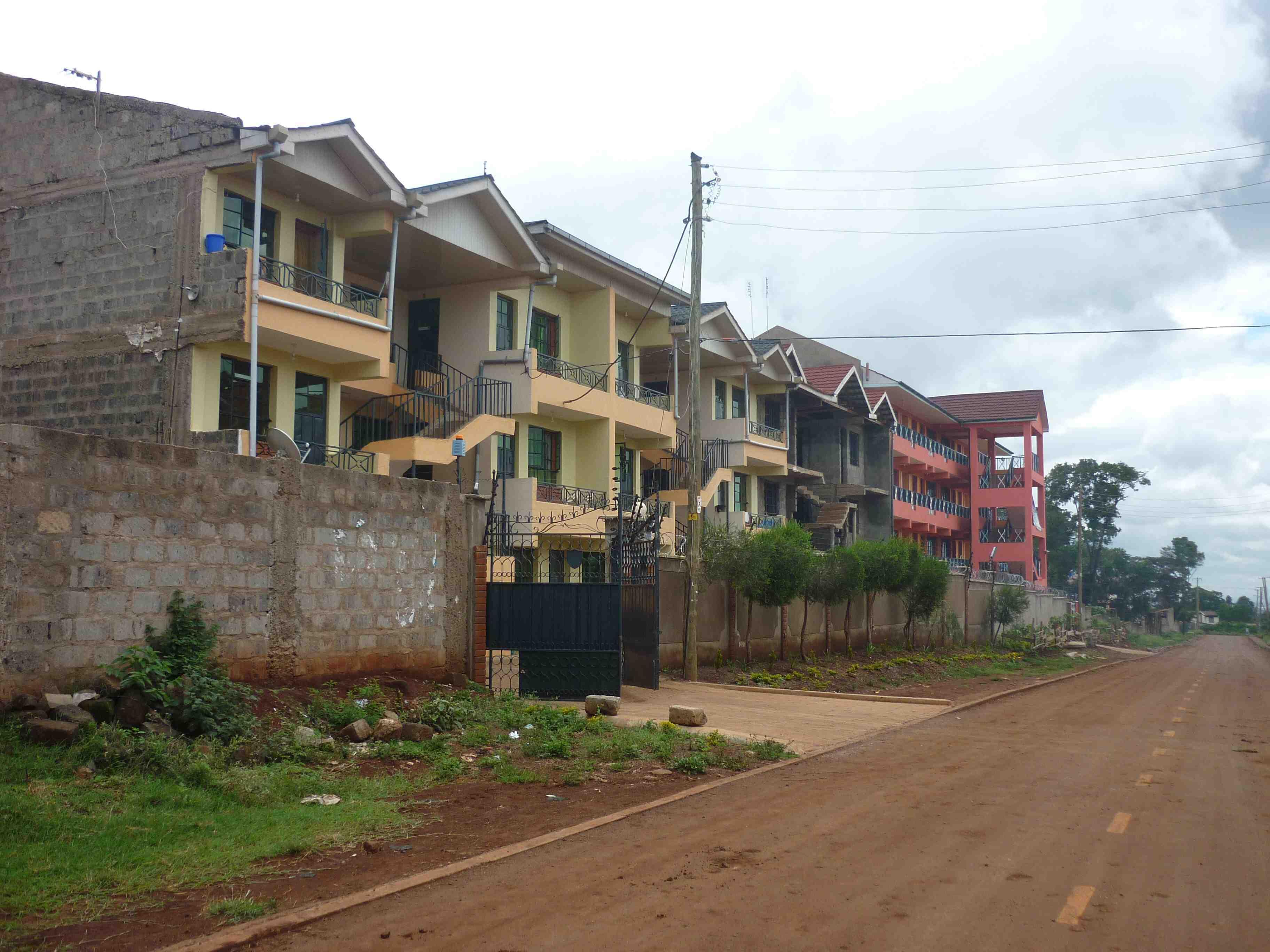 Ex-colonel Edward Loden shot dead by robber in Nairobi, Kenya ...