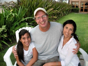 Lon with wife Olivia, stepdaughter Josefina, 2000